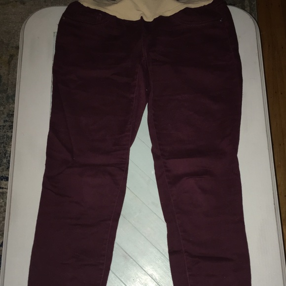 3fb25f9247236 Motherhood Maternity burgundy skinny jeans/pants. M_5b9b3e5b534ef97216883d7b